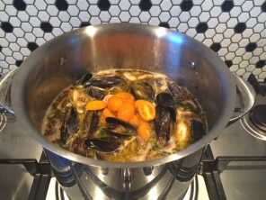 Asian-soup-prawn-mussels-5