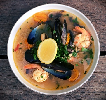 Asian-soup-prawn-mussels-6