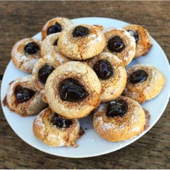 Biscotti-di-mardorla-amarena-cherrie-fabbri-almond-biscuits-recipe