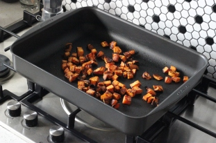 Maple-glazed-roasted-sweet-potato