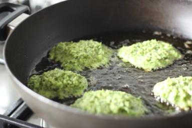 broccoli-parmesan-fritters-2