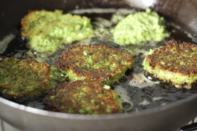 broccoli-parmesan-fritters-4